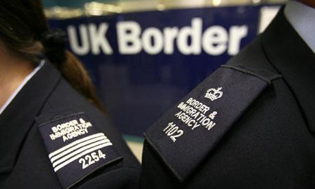 Entrar no Reino Unido: o que se espera do agente da imigração?